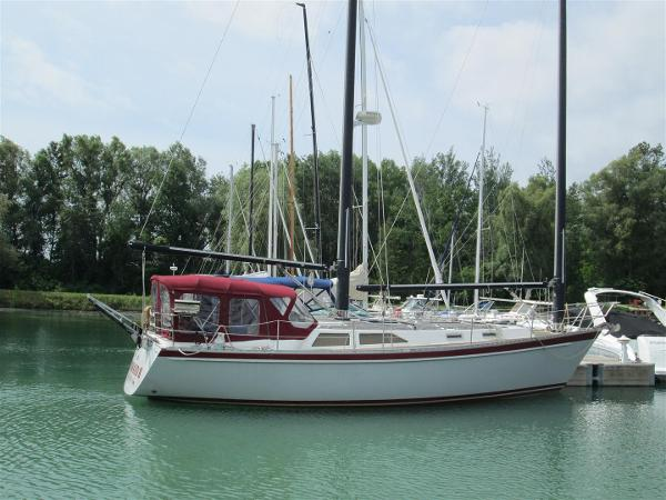 Mach I-freedom Boats 39 Express Windward II