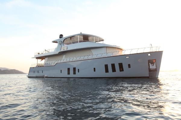 Custom Trawler 85