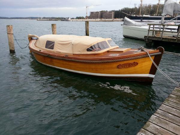 Eigenbau Tuckerboot