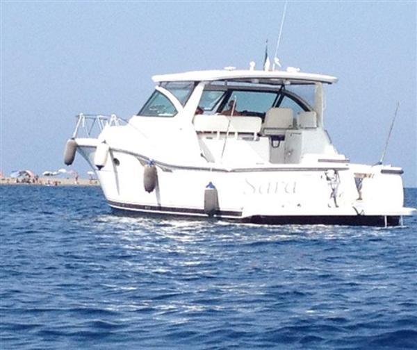 Tiara Yachts 4200 Open IMG_1110