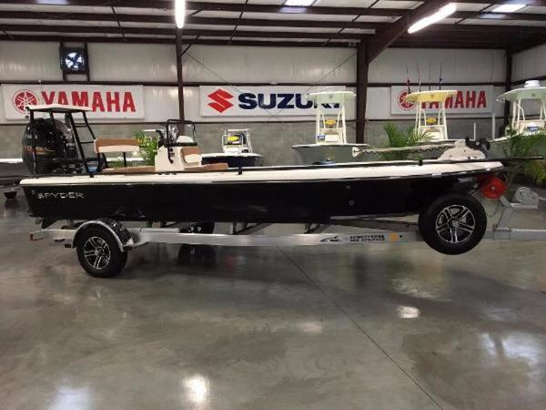Spyder Boats Select Model