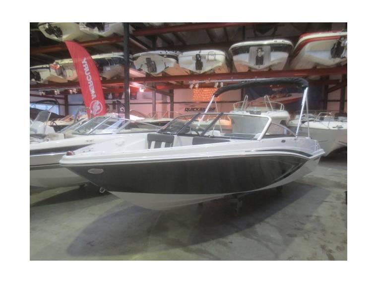 Glastron Boats Glastron GTX 185 Bowrider