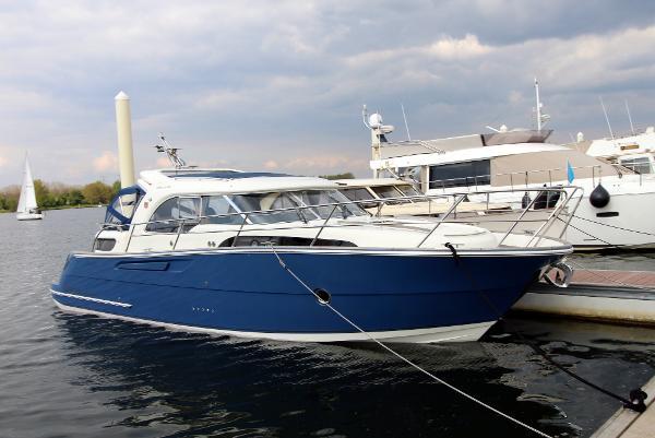 Marex 370 Aft. Cabin Cruiser