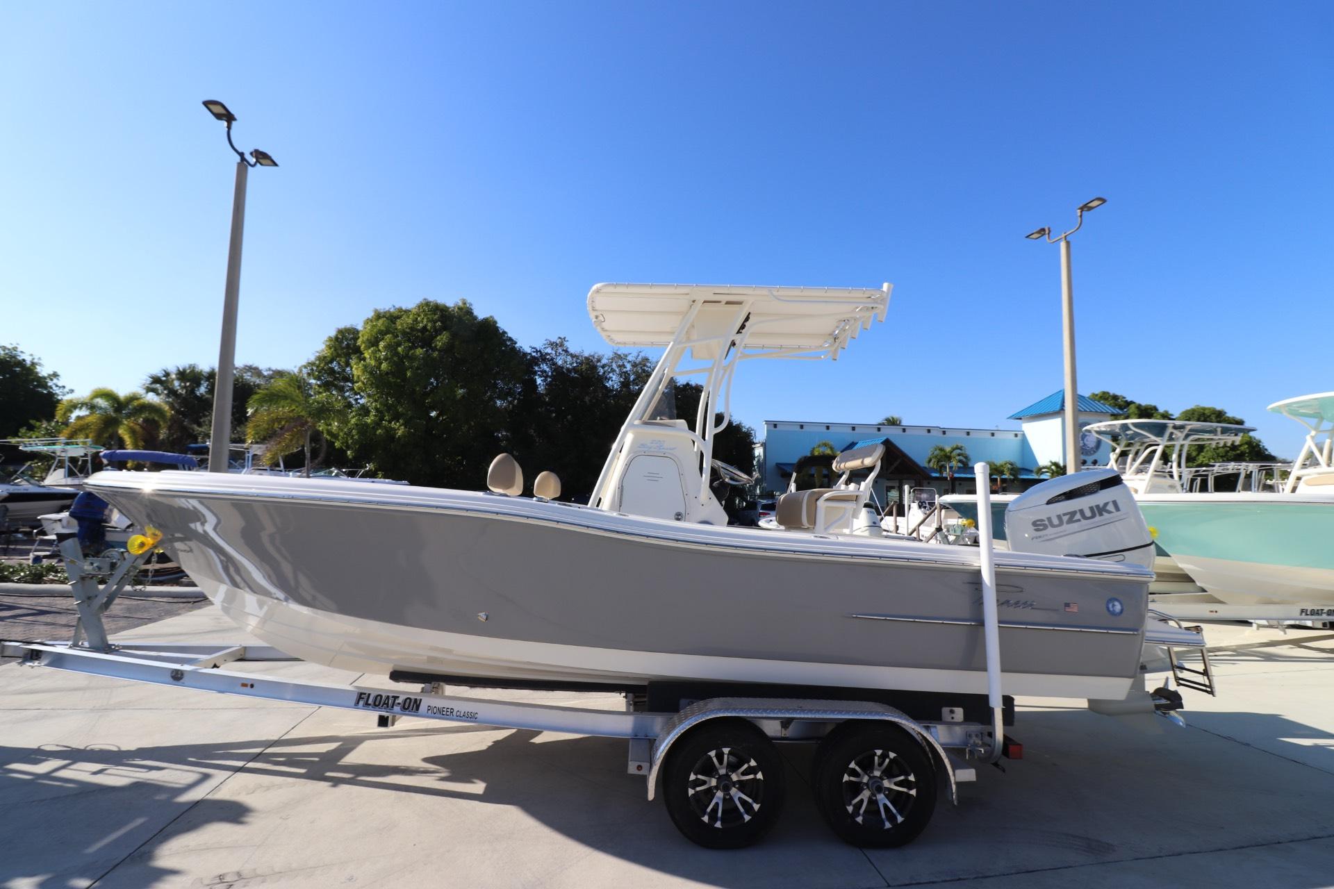 Pioneer 220 Bay Sport