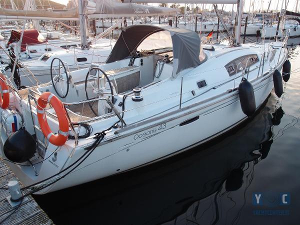 Beneteau Oceanis 43 PA192798_hmf.jpg