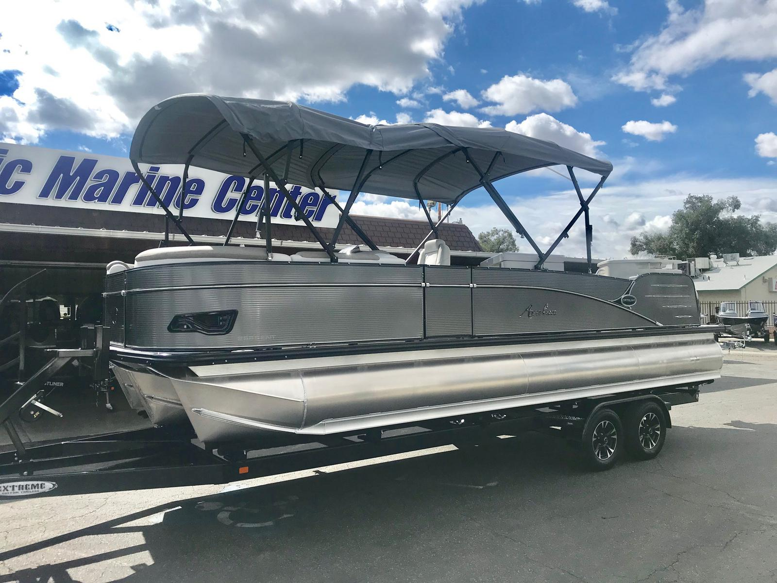 Avalon Catalina Entertainer 25' w/ 250 HP Mercury Verado!