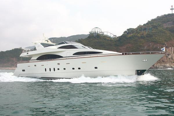 Azimut 100 Jumbo Motor Yacht Profile