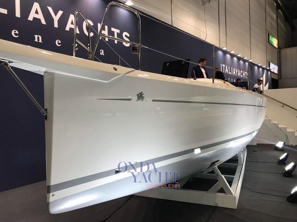 Custom Italia Yachts 9,98 Club 004