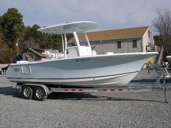 Sea Hunt 235 Ultra SE