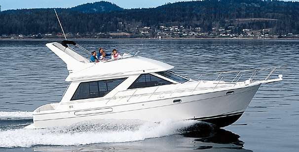 Bayliner 3988 Cockpit Motor Yacht Manufacturer Provided Image