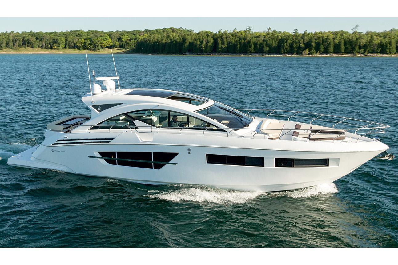 Cruisers Yachts Boat image