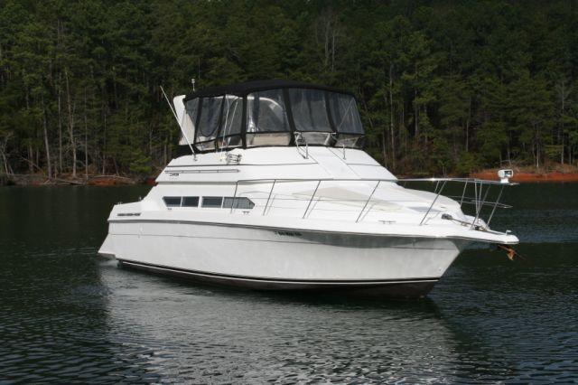Carver Motor Yacht 396 Motor Yacht