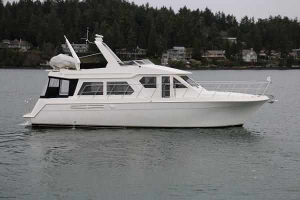 Navigator 4800 Classic Pilothouse MY