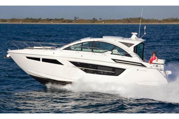 Cruisers Yachts 50 Cantius