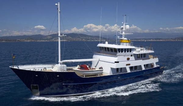 EXPLORER MOTOR YACHT Twin Screw