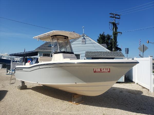 Grady-White Fisherman 216