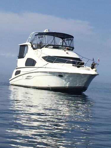Silverton 39 Motor Yacht IN Water View