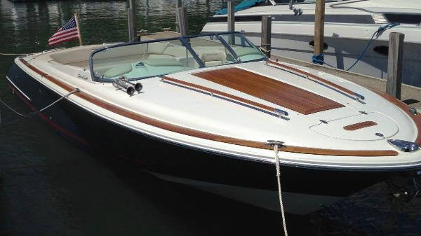 Chris-Craft 28 Corsair