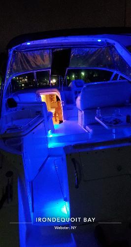 Cruisers 3470 yacht