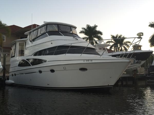 Carver 46 / 466  HARD TOP Motor Yacht