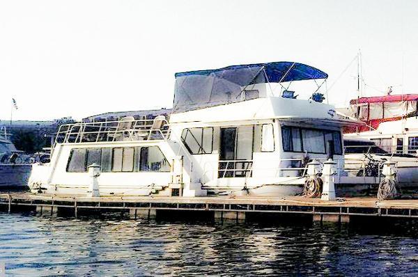 Houseboat Hilburn
