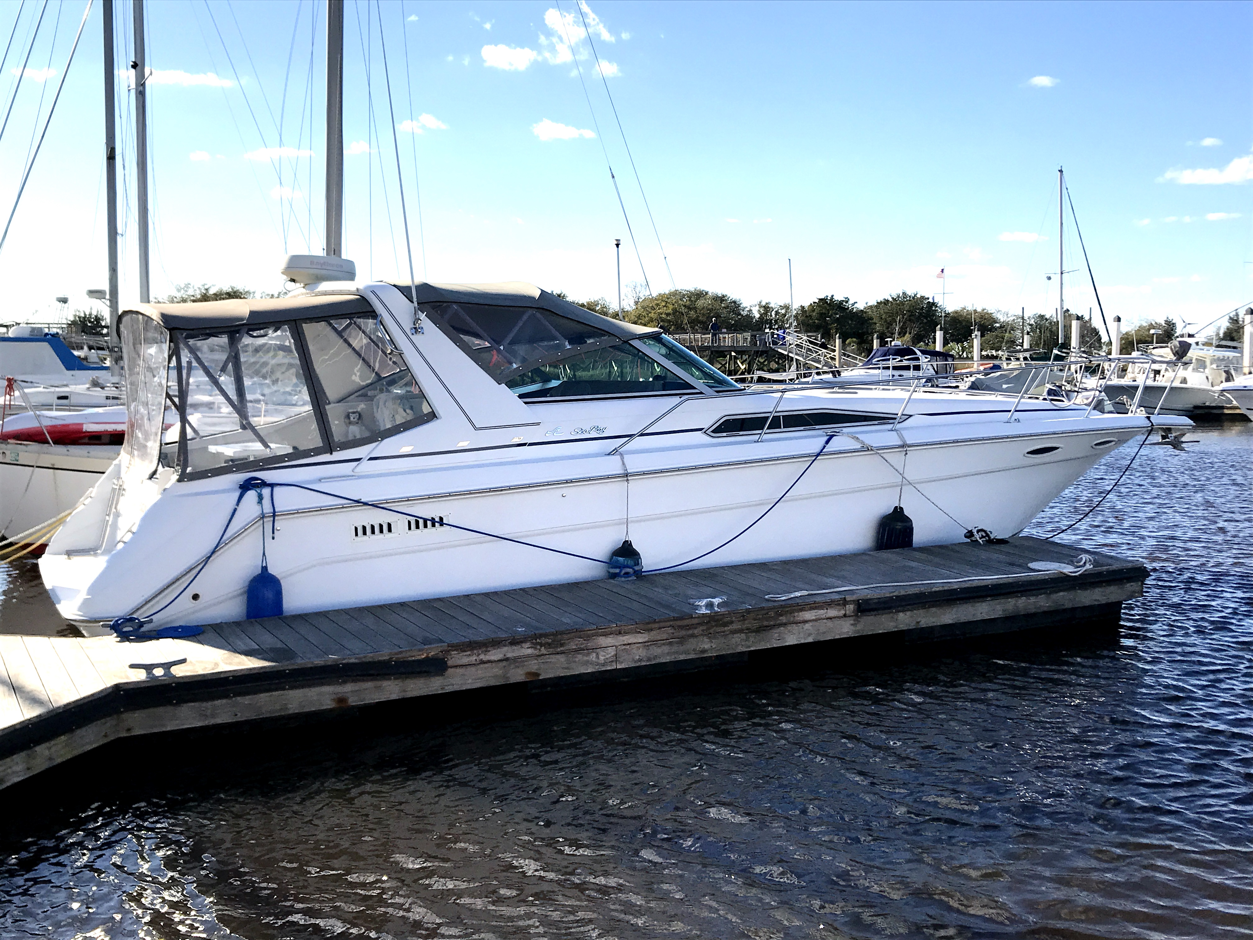 Sea Ray 350 Express Cruiser 1990 Sea Ray 350 EC