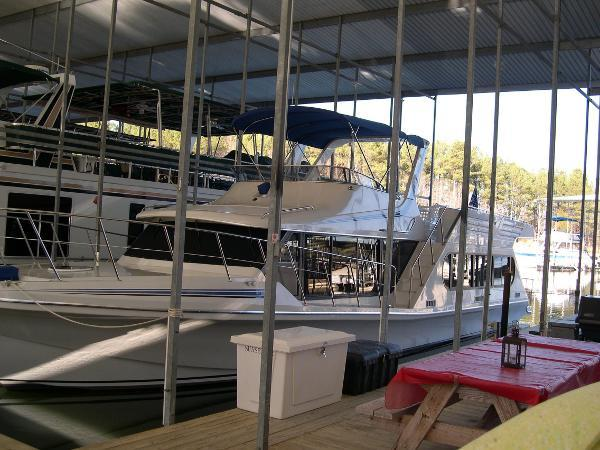 Bluewater Yachts 14 x 54