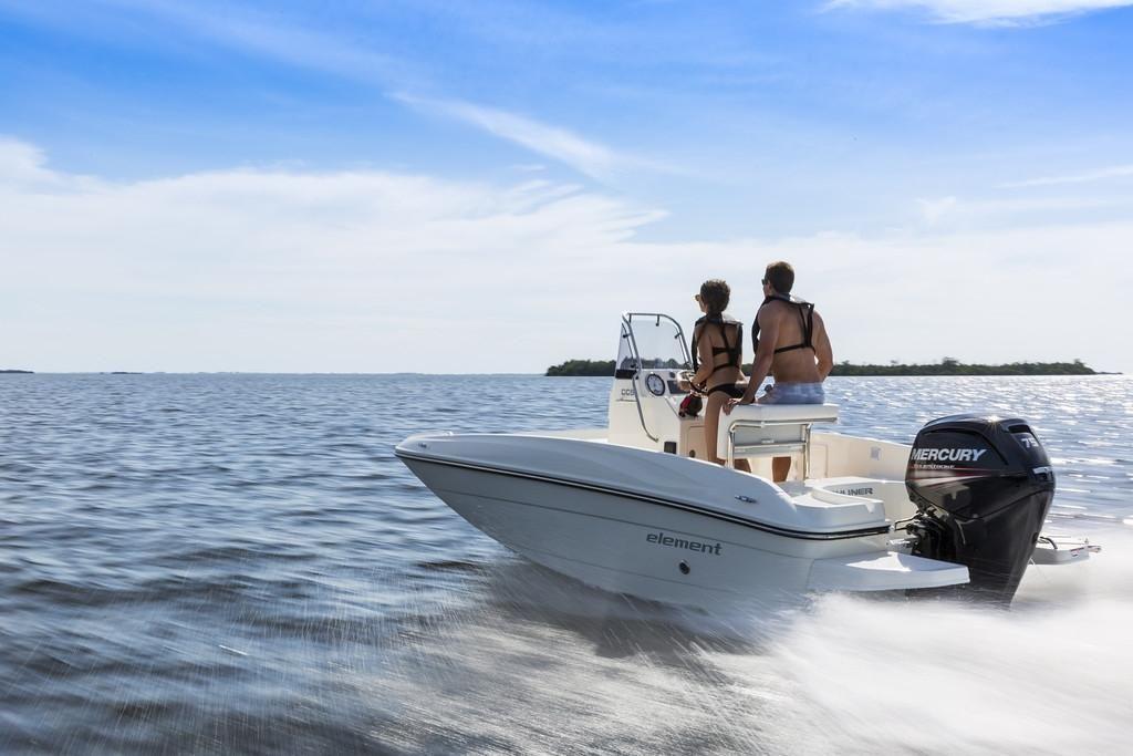 Bayliner CC5 ohne Motor  Vollaustattung Ausstellungsboot