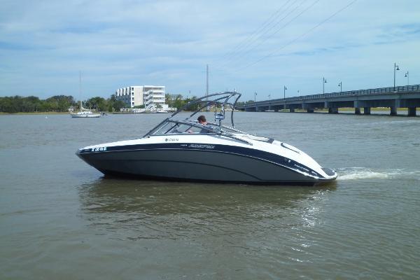 Yamaha Boats AR240 HO PORT UNDERWAY