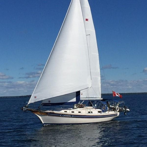 Bayfield 36 Cutter Under sail