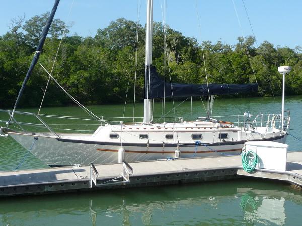 Pacific Seacraft Crealock 37 Exterior