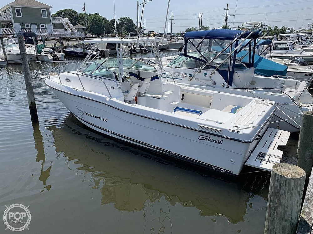 Seaswirl Striper 26 2000 Seaswirl Striper for sale in Bohemia, NY