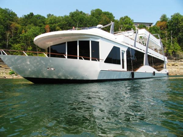 Thoroughbred 22 x 115 Houseboat
