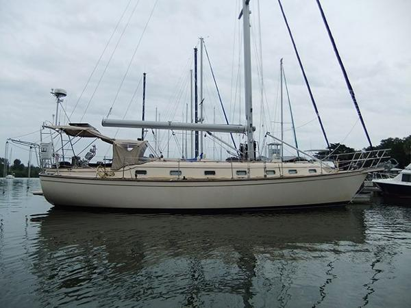 Island Packet 45 Profile