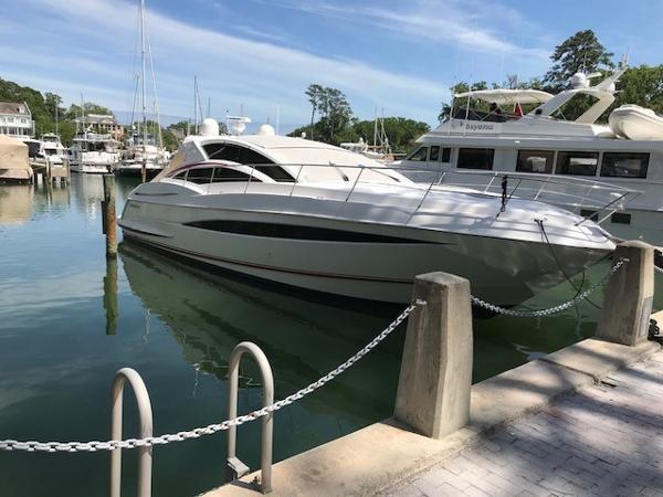 Sea Ray Savannah Yacht
