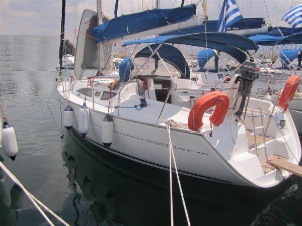 Jeanneau Sun Odyssey 32 Jeanneau Sun Odyssey 32 - Sailing Boat