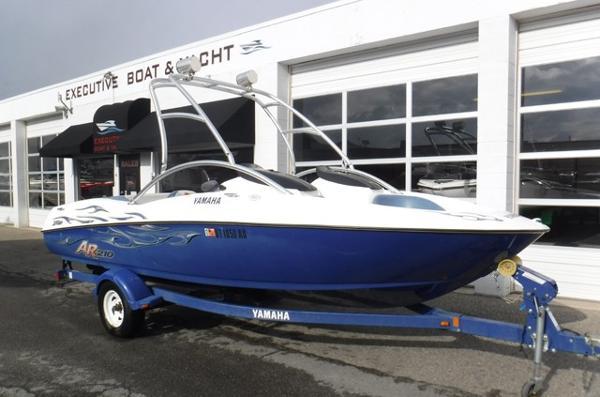Yamaha Boats AR 210 Bowrider