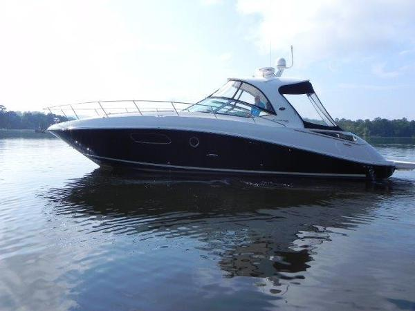 Sea Ray 350 Sundancer Profile