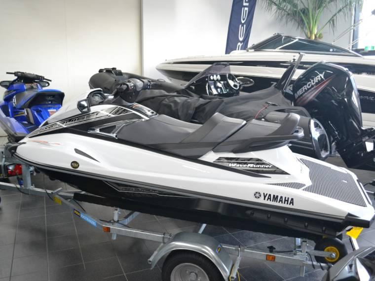 Yamaha Yamaha Waverunner VX cruiser