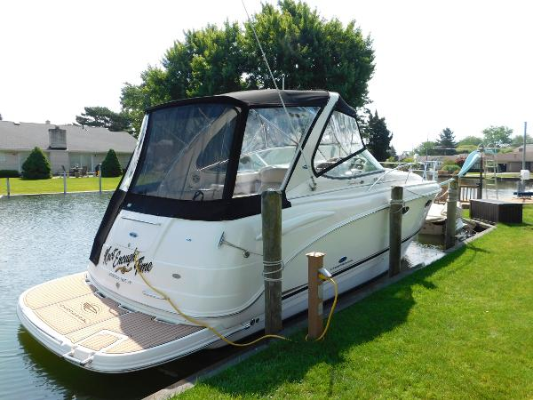 Chaparral 310 Signature Dockside