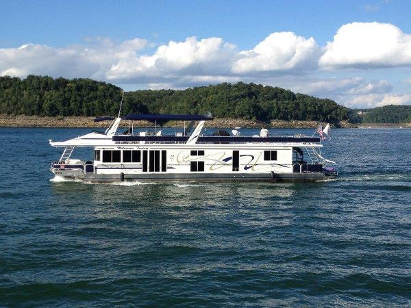 Fantasy Houseboat 82