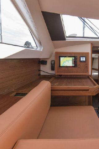 Manufacturer Provided Image: Wauquiez Pilot Saloon 48