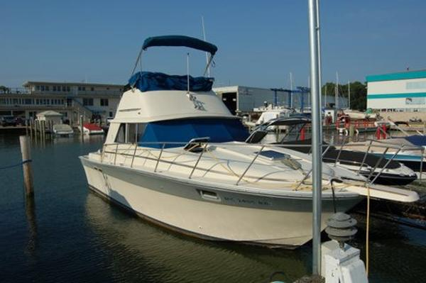 Silverton 31 Convertible Flybridge