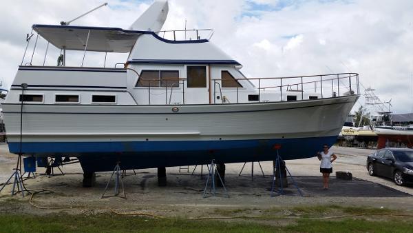 Marine Trader 43 LaBelle