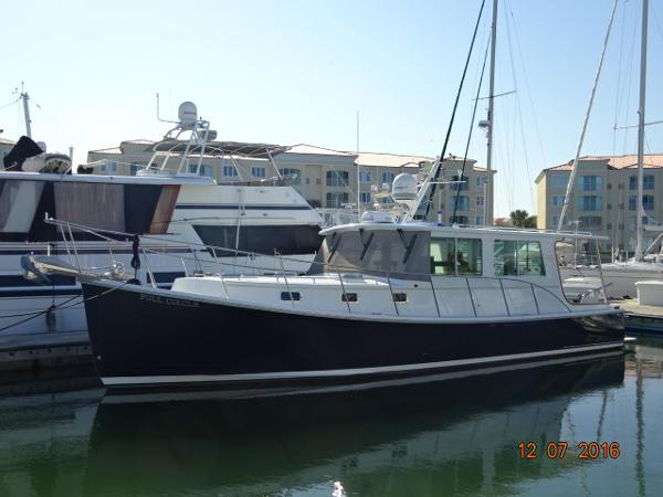 Campbell Duffy Downeast 37' Campbell port forward profile photo1