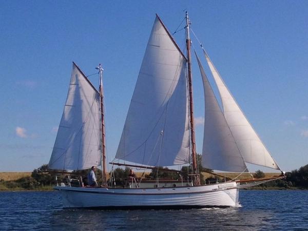 sailing/motorsloop 2 master