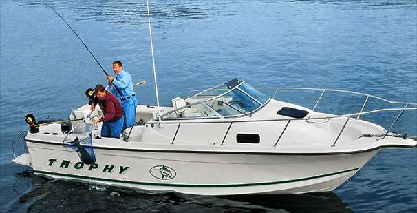 Bayliner 2302 Trophy Walkaround DX/LX Manufacturer Provided Image