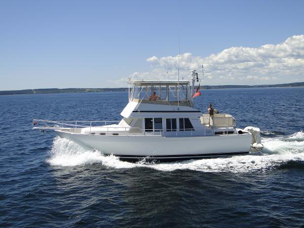 Mainship 430 Trawler Aft Cabin Port Side Profile