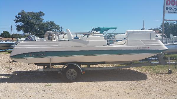 Renken 220 Deck Boat