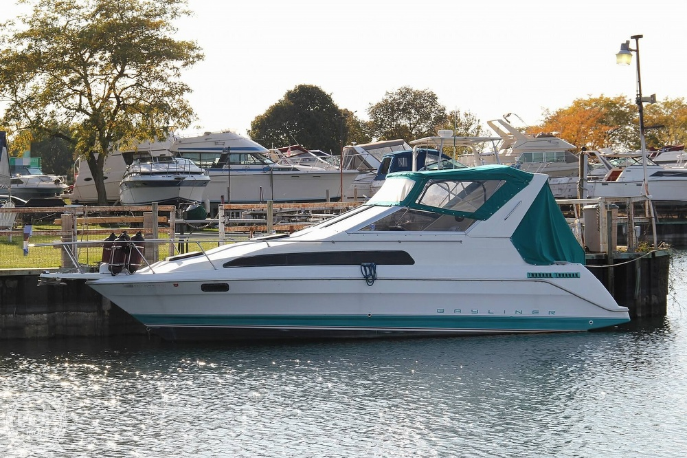 Bayliner 2855 Ciera Sunbridge 1993 Bayliner 2855 Ciera Sunbridge for sale in Cleveland, OH